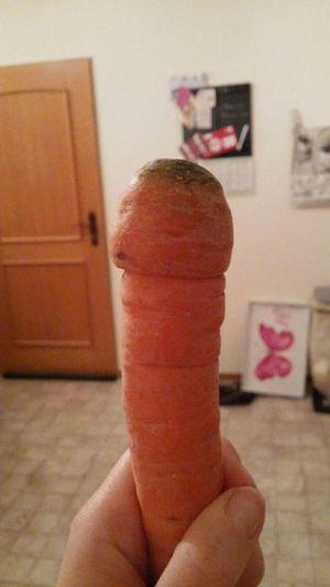 Human Hand Human Body Part Human Finger Vegetarian Food Vegetables Food♡ Penisart Möhre Foodporn Strange Things