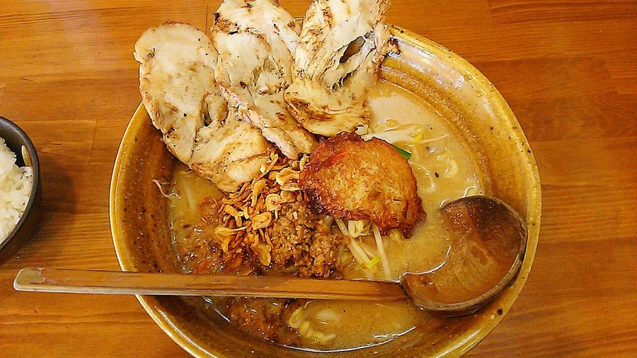 お腹すいた。ワンパクなご飯が大好きなのに胃がもたれる。でも食べる。 飯テロ 夜食テロ 拉麺 ラーメン ラーメン屋 ラーメン屋さん ラーメン大好き  味噌ラーメン Ramen Ramen Noodle Ramentime🍜 Taking Photos Food Hello World Japanese Culture Japanese Style Japanese Food Miso Ramen Hanging Out Enjoying Life お腹すいた Dinner ワンパク飯 チャーシュー麺 ラーメン🍜