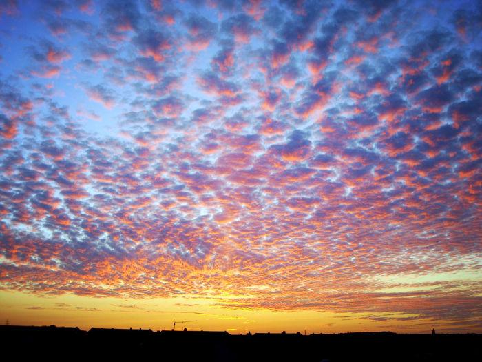 Wolken Wolkenhimmel Himmel Himmelskunst Tödööööö Rosa Zuckerwatte Abend Sonnenuntergang Sky Clouds Clouds And Sky