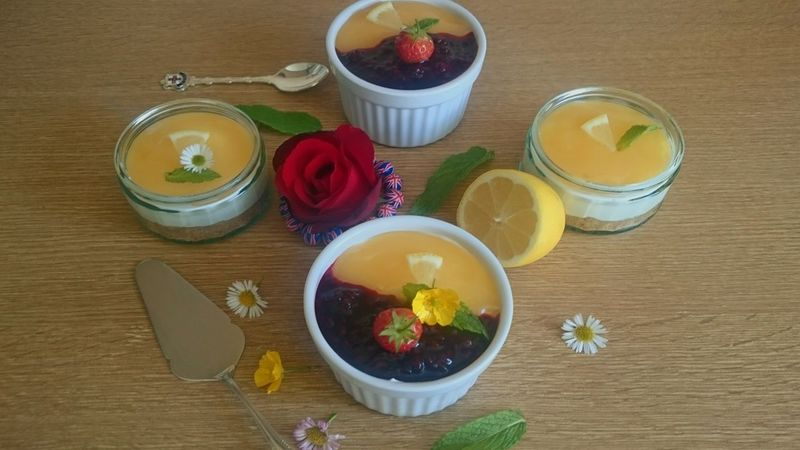 Taking Photos Homemade Cheesecake Lemon Curd Yummy♡ Joinme? Foodporn Enjoying Life Awesome_shots Happiness