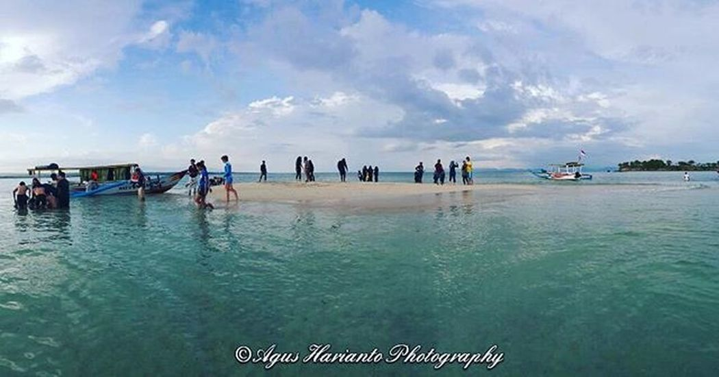 On sunken island Agushariantophotography Thedorsaleffect Tanjungluar Swim Snorkling Beach Pinkbeachlombok Pulaupasir Whitesandybeach