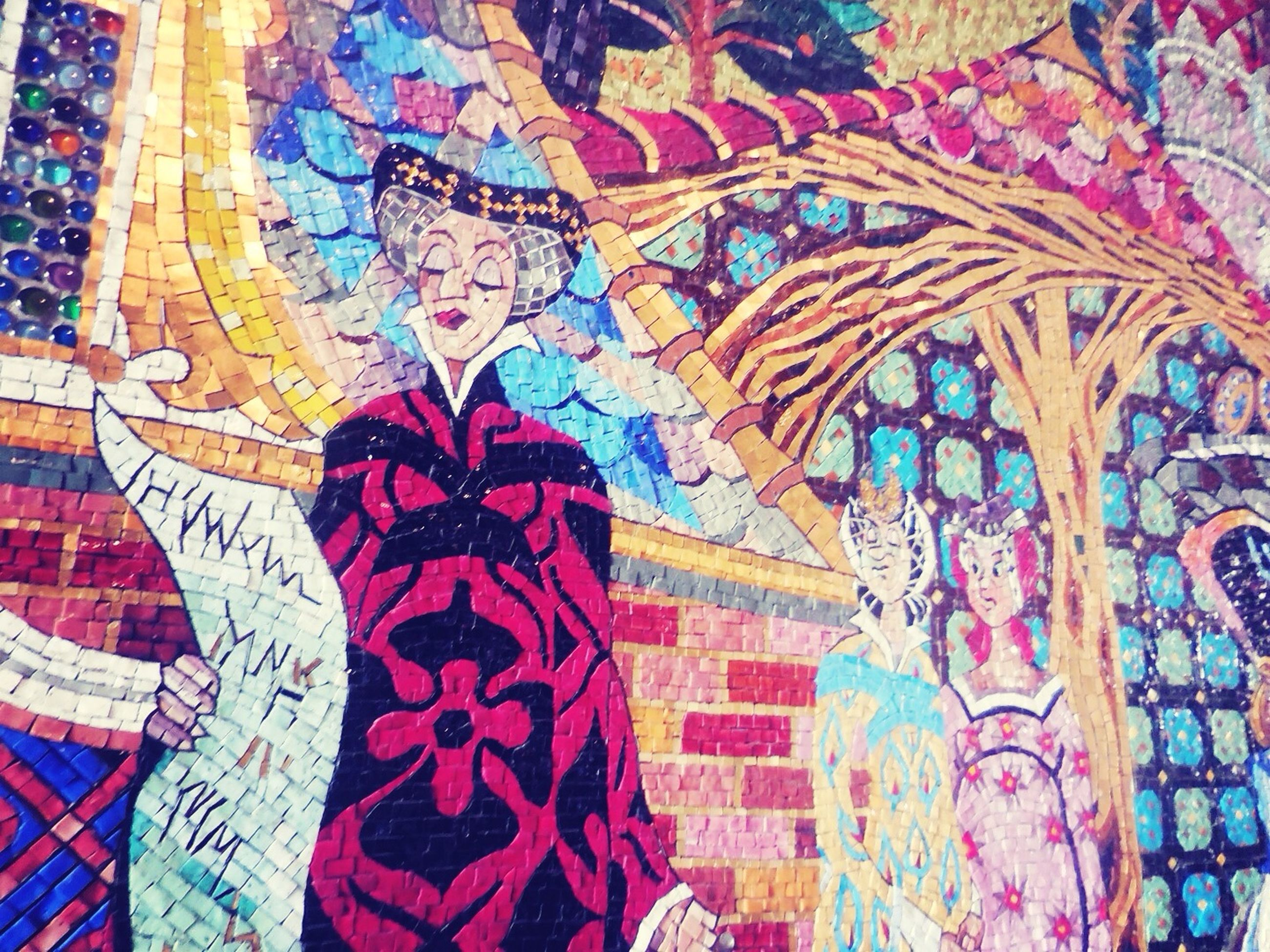 creativity, art and craft, art, multi colored, design, full frame, pattern, indoors, backgrounds, fabric, textile, graffiti, floral pattern, wall - building feature, architecture, textured, built structure, mural, painting, craft