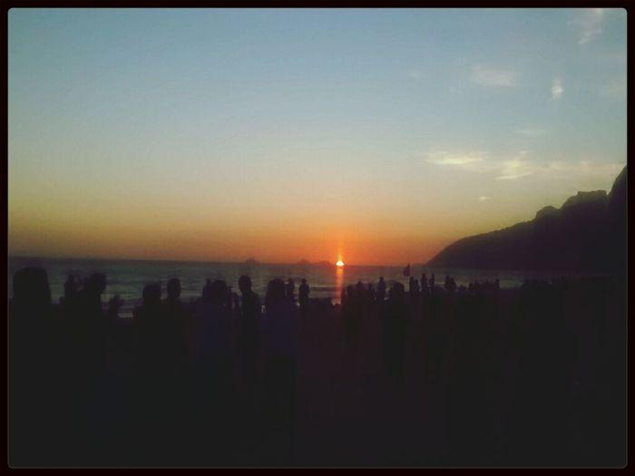 Pôr de sol... ás 19:00h na Praia de Ipanema!!! First Eyeem Photo