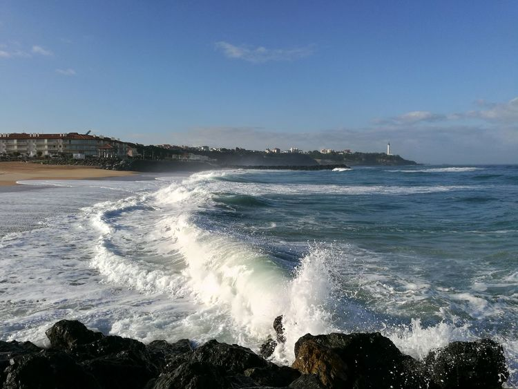 Plage Marinela à Anglet ce matin. Sea Water Beach Nature Outdoors Sky Beauty In Nature Wave Scenics Clear Sky Day Horizon Over Water Motion No People Vacations Sand Travel Destinations Blue City