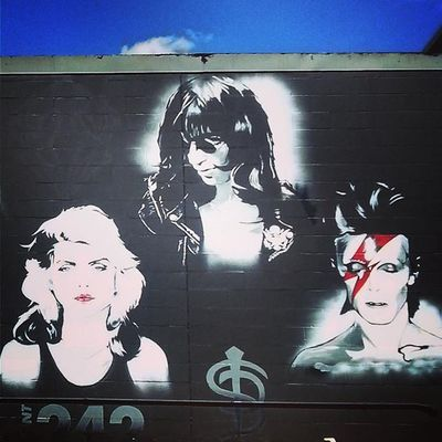 Houston Montrose Gayborhood Texas Summer2015 Theramones Blondie Davidbowie Aladdinsane Streetart Urban Art Westhiemer