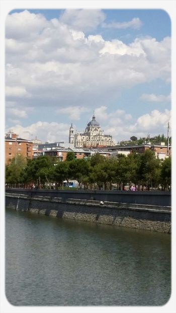 Catedral de la Almudena. Taking Photos Enjoying Life Paisajes Urbanos  Catedrales