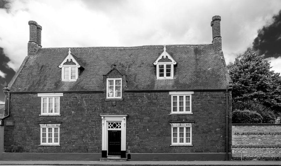 The Manor House, Broad Green, Wellingborough, Northamptonshire Architecture Northamptonshire Architecture Wellingborough Black And White Cat Black And White FUJIFILM X-T10 Monochrome