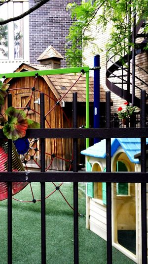 It's Used to Be my Playground Playground Childhood Garderie Education Educación Wood Bois Madera Stairs Escaliers Escaleras Barriere Enfance Infancia Cute Montreal, Canada