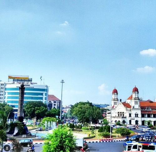 Tugu Muda is the Landmark Semarang City, Central Java, Indonesia The Changing City Discover Your City Cityscapes Streetphotography Semarang INDONESIA