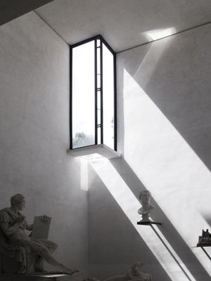 #Shadow #TheArchitect-Awards2018 #Windows #architecture #arquitectura #canova #carloscarpa #detail #light #statue #weightless Design Glass - Material Indoors  Transparent The Architect - 2018 EyeEm Awards