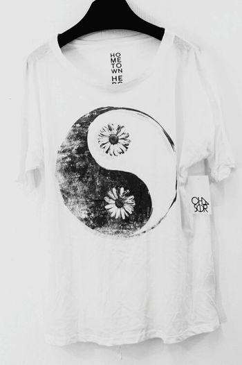 Yin & Yang Enjoying Life Fashion Blackandwhite Flowers