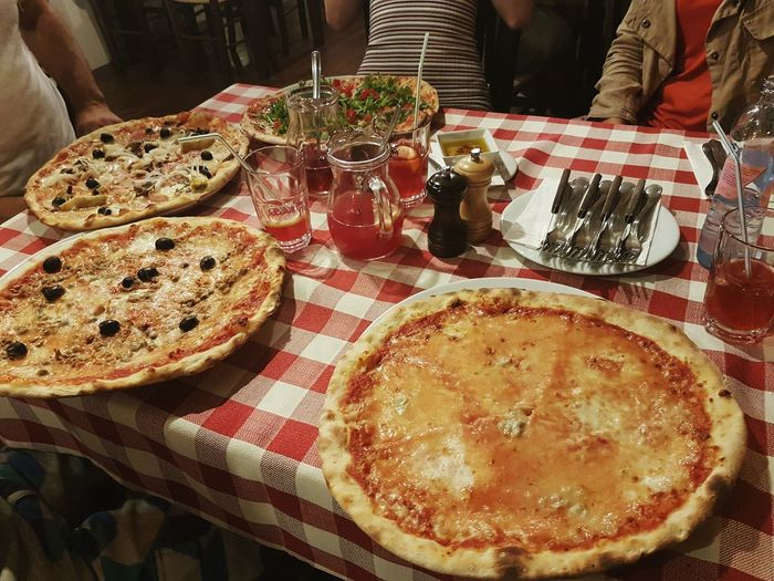 Food Food And Drink Tablecloth Table Ready-to-eat Place Setting Serving Size Indoors  Drink No People Freshness Day Pizza Pizzalover Italian Food Italy Restaurant Eat Eating Out Hungary Photos Lifestyles Hungry Af Hungry Always Taking Photos Close-up