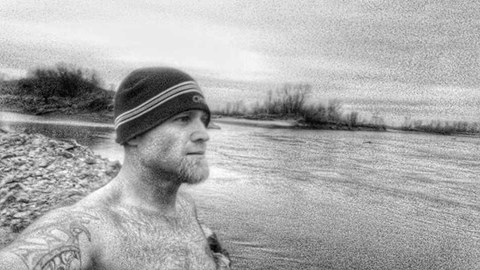Missouri river morning selfie. ..lol Ks_pride Atchison Wow_america World_bnw World_shotz Kansasphotographer Kansasphotos Kansasnature Worldwide Sunrise_sunsets_aroundworld Sunrise Nikeplusrunning Nikeplus Kansasrunner Nikeshoes Nike Kansasmag 5kadaykeepsthecrazysaway