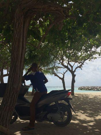Maafushi Life Scooter Phone Sand Ocean Relaxing Showcase July
