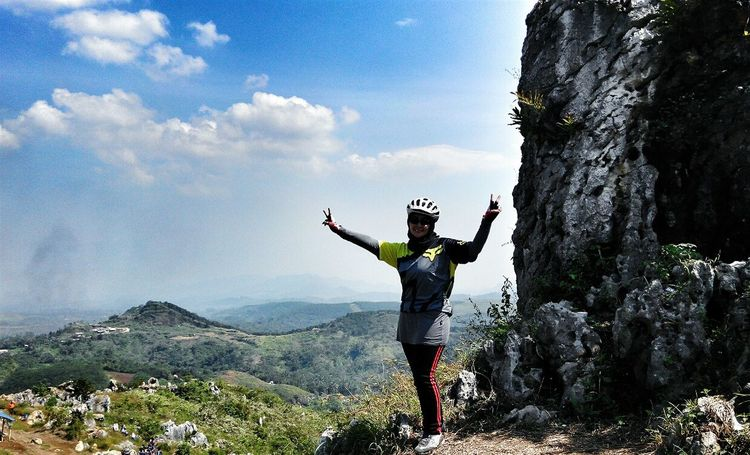 Share Your Adventure Mountain Outdoor Mountain Biking EyeEm Nature Lover Bycicle Adventure Beautiful View The Great Outdoors - 2015 EyeEm Awards Protecting Where We Play