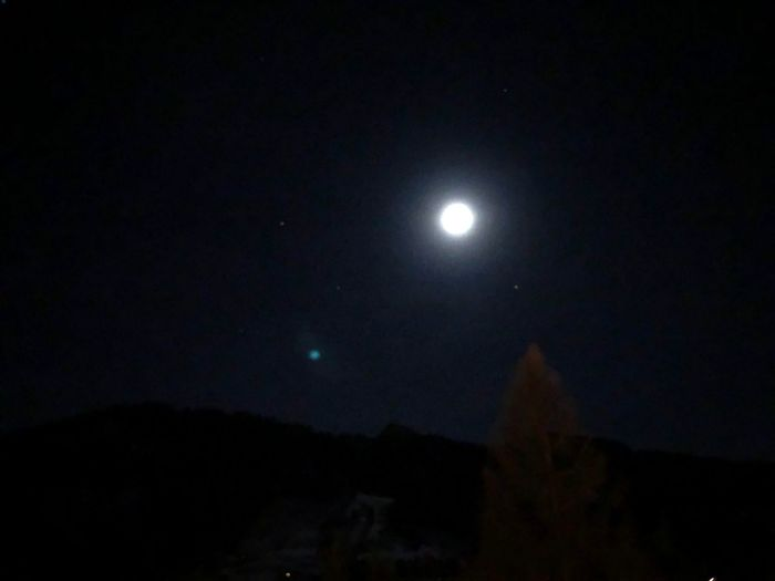 Moon glow EyeEmNewHere EyeEm Nature Lover Shades Of Winter Stars Glow Moon I❤️Gstaad Bolonie Style Bolonie Art Bolonie Moon Night Full Moon Astronomy Nature Sky Scenics Moonlight Beauty In Nature Outdoors Illuminated Clear Sky Half Moon Space Tranquility An Eye For Travel