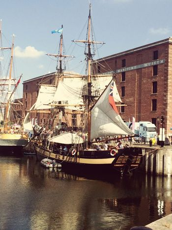 Liverpool Liverpool, England Docks AlbertDocks Boat Boats⛵️ Merseyside Mersey River Sunny Day Norain Pirate Pirateship