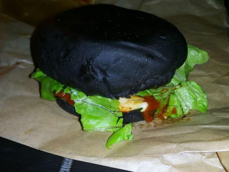 """Darth Vader / Дарт Вейдер Стоит попробовать, самый вкусный гамбургер в мире) Спасибо """"Бургер шеф"""". First Eyeem Photo просто фото Humburger"""