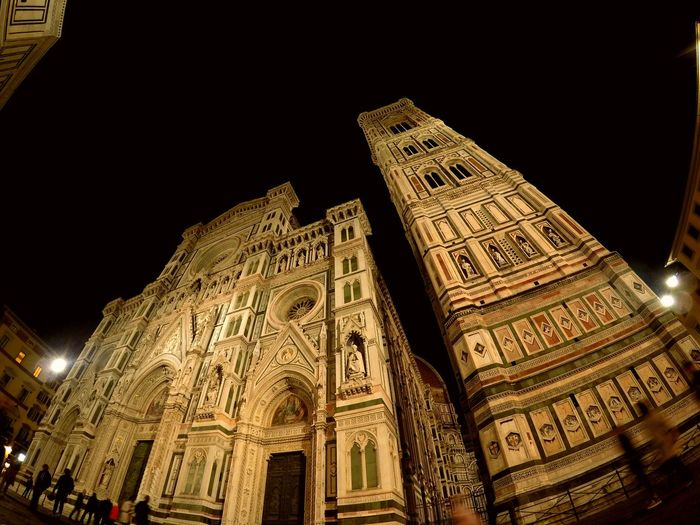 Architecture Travel Destinations Built Structure Low Angle View Night Tourism City The Street Photographer - 2017 EyeEm Awards Italia Firenze, Italy Io Sono Leggenda Italy 🇮🇹 Feel The Journey Giocare Con La Luce Enjoying Life High Angle View Bellissima Capture The Moment Personal Perspective Strani Punti Di Vista Summer Streetphotography Illuminated Building Exterior Goprohero4 Been There. EyeEmNewHere The Week On EyeEm