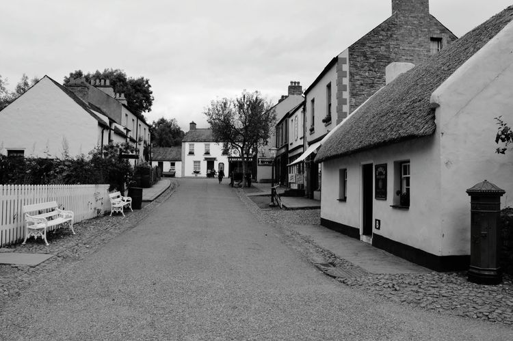 B&w Street Photography Old Street Beautiful Time Old Town Old House Old Shop