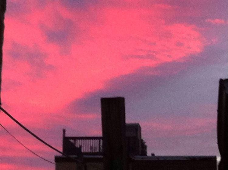 A beautiful morning sky ABeautifulMorning TheSidewalksOfTheCity TheVille Streamzoofamily