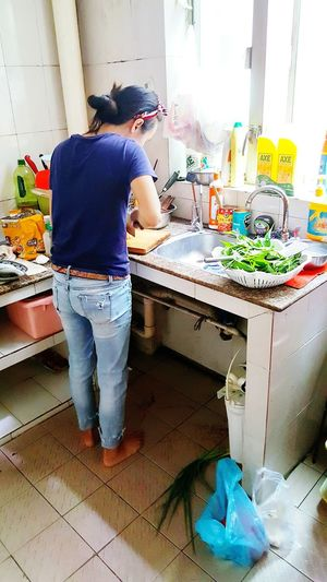 Family Chef Home Cooked Meal Meals Lunch Time Homemade Food Food Preparation Chopping Vegetables Kitchen Home Kitchen