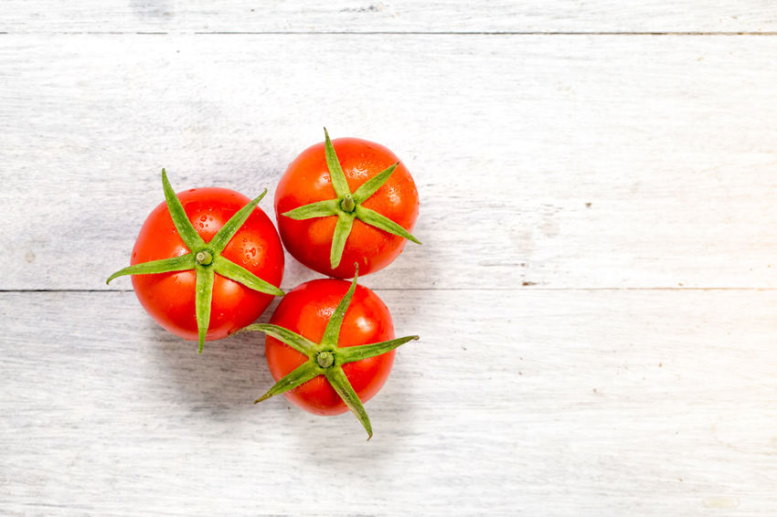 Close-up Food Food And Drink Freshness Healthy Eating Ingredient No People Red Tomato Top View Vegetable