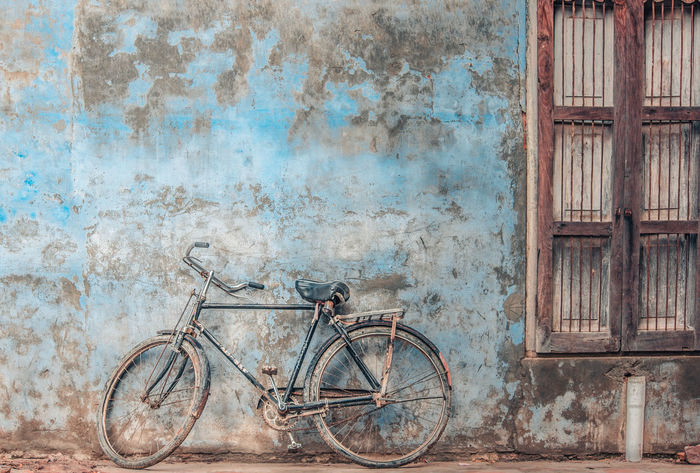 Land Of Tremendous Contrast, India. #beautiful #bicycle #Blue #brown #composition #Creativity  #photography #Window