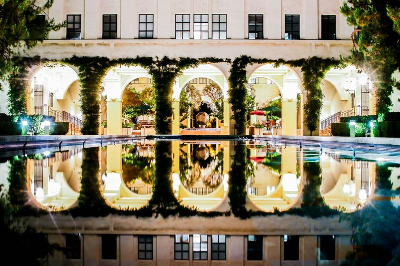 Symmetric Hanging Out Taking Photos Check This Out Symmetry Symmetryporn Symmetrical Learn & Shoot: Balancing Elements Reflections Reflection_collection Learn And Shoot: After Dark
