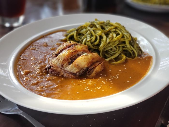 pasta seca, Ica, Perú Peru Peruvian Food City Soup Bowl Plate Savory Food Close-up Food And Drink Vegetable Soup Noodle Soup Pumpkin Seed Curry