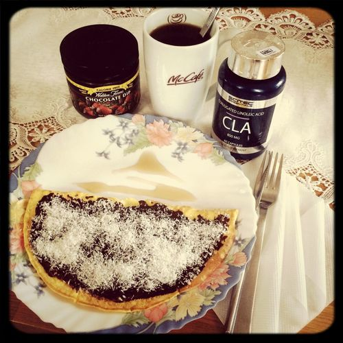 Good morning, my healthly breakfast ✌️☕️? eggs with chocolate dip and coconut Waldenfarms Cla Pan Cake Food Porn ? buona mattina