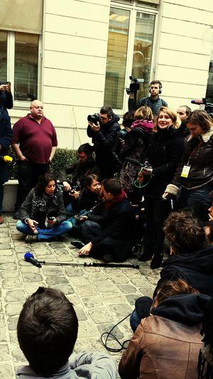 Le dreamtean des journalistes avant la conférence de presse du Premier secrétaire du parti socialiste