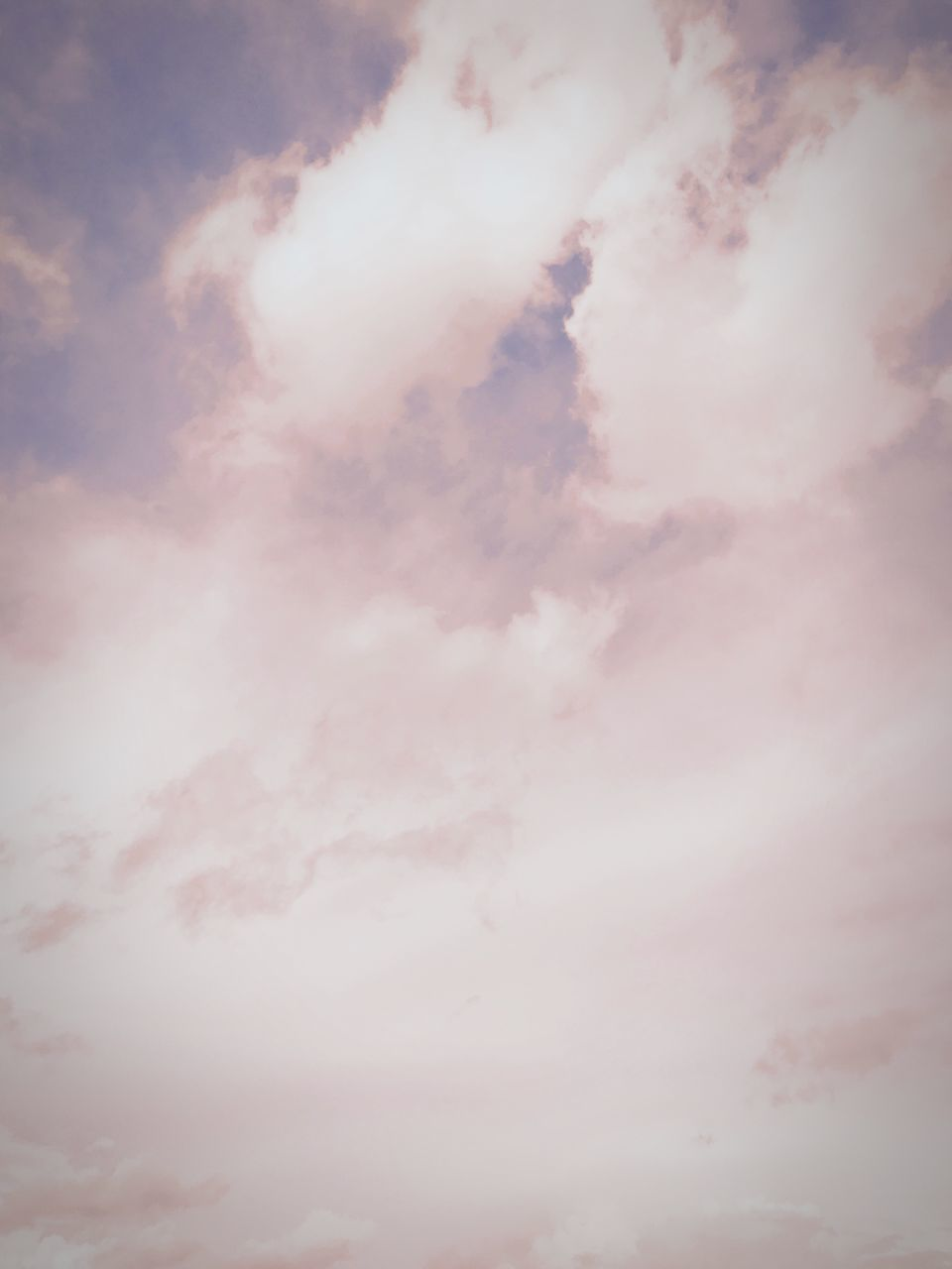 cloud - sky, sky, beauty in nature, nature, low angle view, sky only, cloudscape, scenics, tranquility, majestic, no people, backgrounds, idyllic, outdoors, tranquil scene, day, sunset