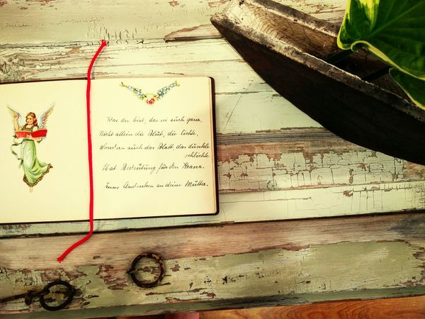 Ikebana & Poetry - an exhibition Handwriting  Text Wood - Material Paper IKEBANA Poesiealbum ArtWork Art Is Everywhere Fine Art Fine Art Photography Rememberance Remember The Past Poetic Beauty Poetry In Pictures Vintage Childhood Memories