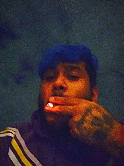 En la noche azul con un TOQUE de fuego