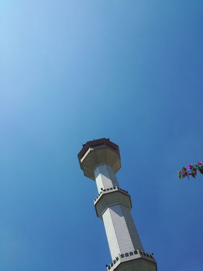 menara mesjid agung Building And Sky Bandung