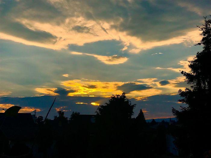 Sky Sunset Cloud - Sky Silhouette Tree Architecture Building Exterior