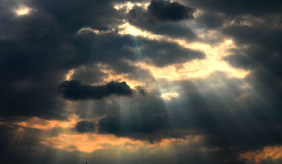 so... there's a part of my soul Atmospheric Mood Beauty In Nature Cloud - Sky Cloudscape Dramatic Sky Heaven Nature No People Outdoors Sky Sky Only Sun Sunbeam Sunlight Weather
