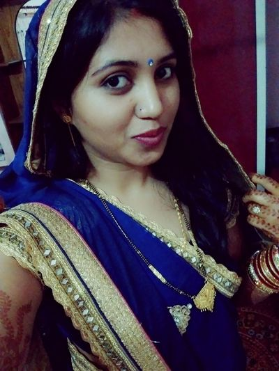 Indian Beauty Ethnic Costume Daughter In-law Husbands' Love