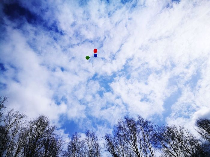 Sky Cloud - Sky Flying High Fly Balloons Nature Victory Day Russia Tree