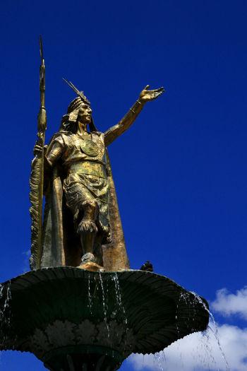 Local Hero Fountain Statue This Is Latin America Travel City Square Courage Local Hero Sculpture Travel Destinations