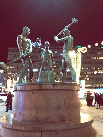 Statue Sculpture Night Art And Craft Human Representation Outdoors Illuminated