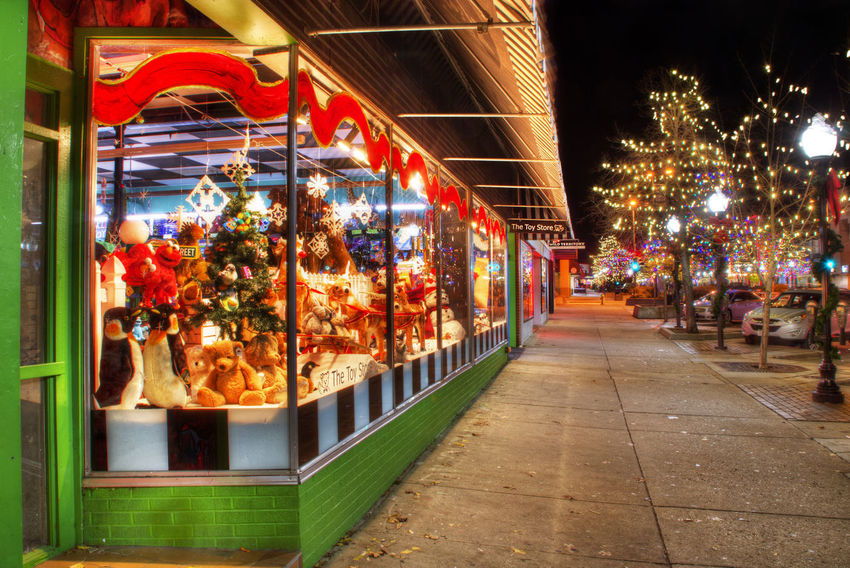Abundance Architecture Arrangement Choice Christmas City Life Culture Display For Sale HDR Holiday In A Row Large Group Of Objects Market Market Stall Multi Colored Retail  Store Street Variation The Architect - 2016 EyeEm Awards