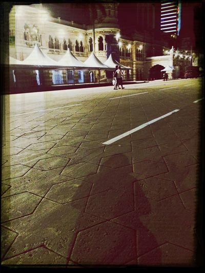 Malam ini hanya berteman dengan bayang2 sendiri....