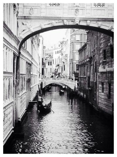 Hello World Enjoying Life Black & White Streetphotography