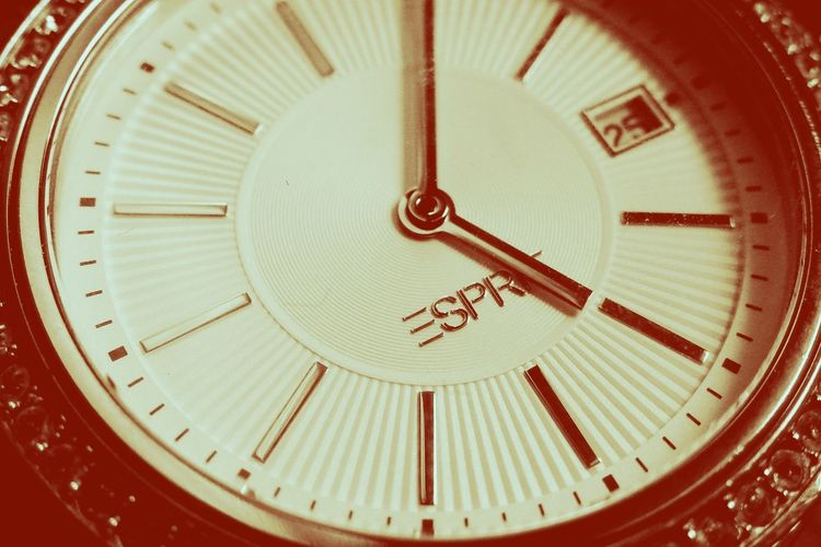 Esprit Clock Watch Golden