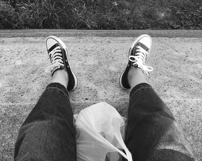 IPhoneography Sea Beach Chilling Sneakers Converse All Star Black Love Blackandwhite June 2017 Day Off The Scenery That Tom Saw Tomの見た世界 Japan