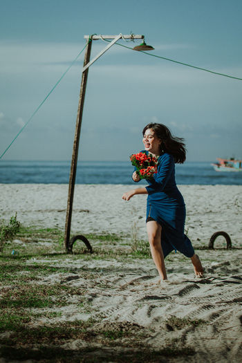 modeling pose with canon One Person Young Adult Outdoors Model Modeling Modeling Shoot Modelindonesia Model Pose Sea Photo Photography Photooftheday Photographer Canon Canonphotography Vacations The Art Of Street Photography Exploring fun