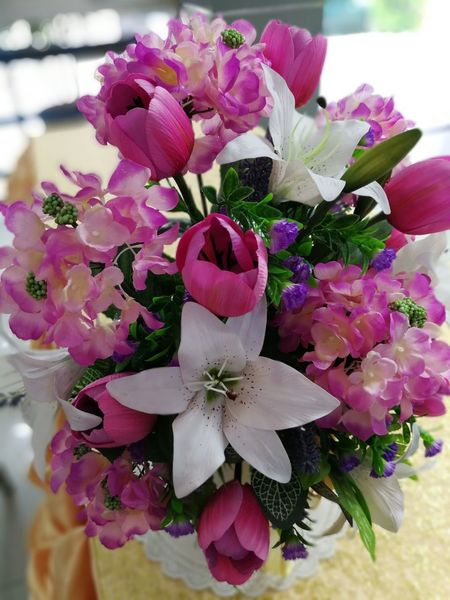 Beauty In Nature Bouquet Close-up Day Flower Flower Head Fragility Freshness Indoors  Nature No People Periwinkle Petal Pink Color Table