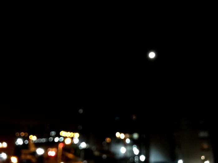 🎉 Moon Illuminated Dark Sky No People City Outdoors Beauty In Nature Nature Astronomy City Life EyeEm Gallery Nigthpicture Night Photography Darkness And Light